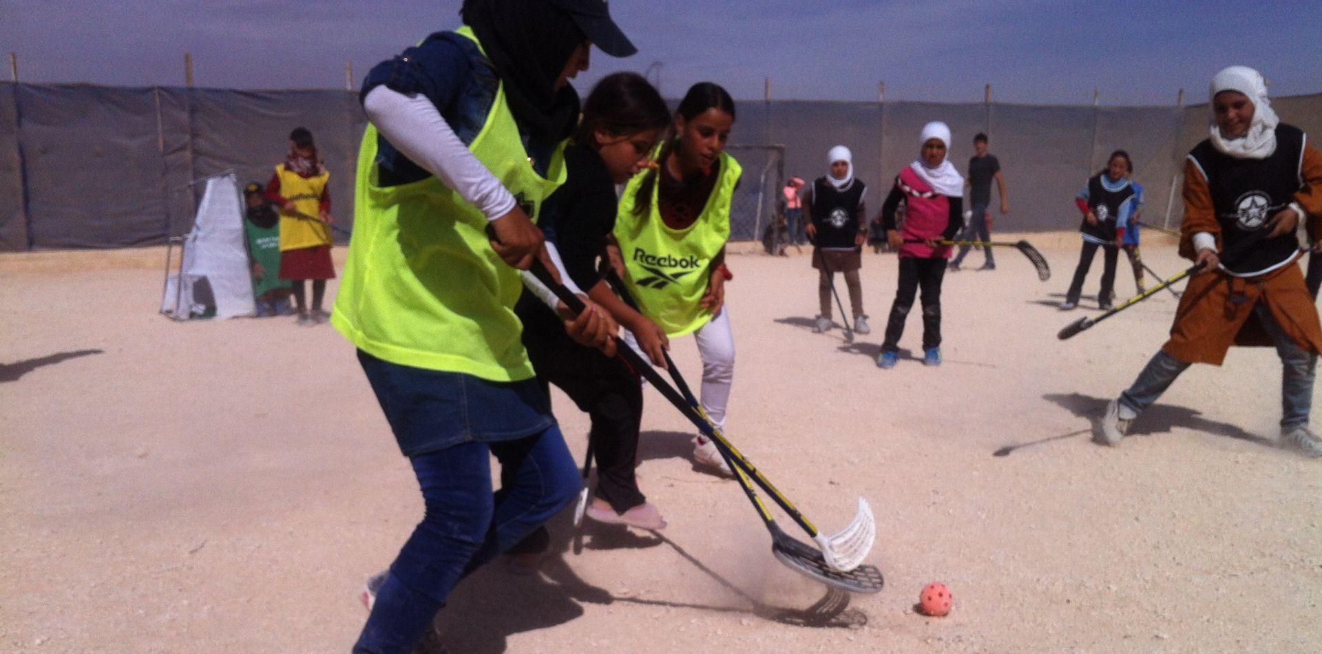 Unihockey im Flüchtlingslager